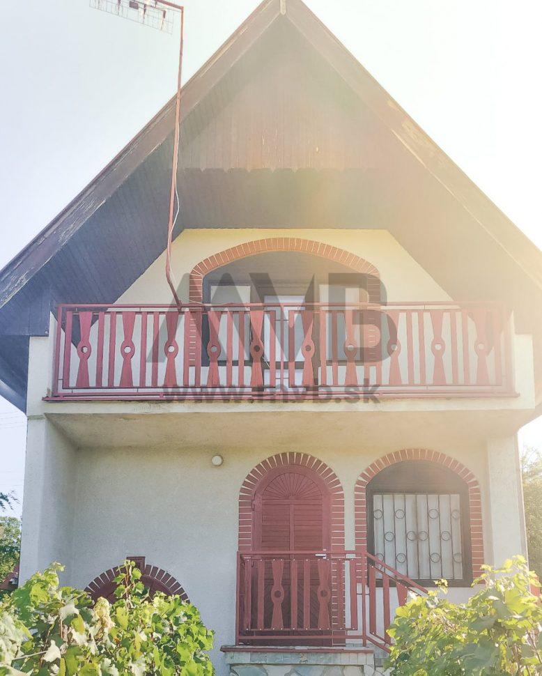 PREDANÉ   Podpivničená chata   Marcelová